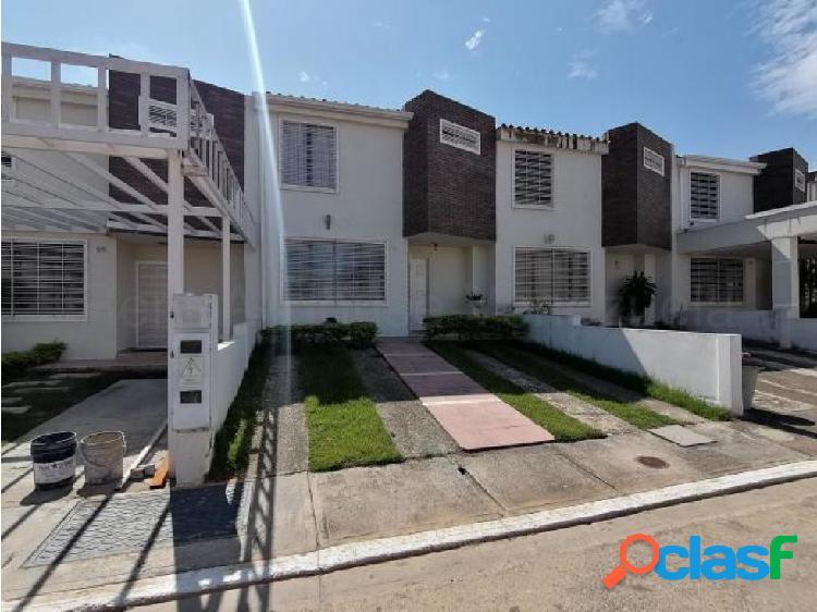 Casa en Venta Villas Del Golf Plaza 20-6992 RWH