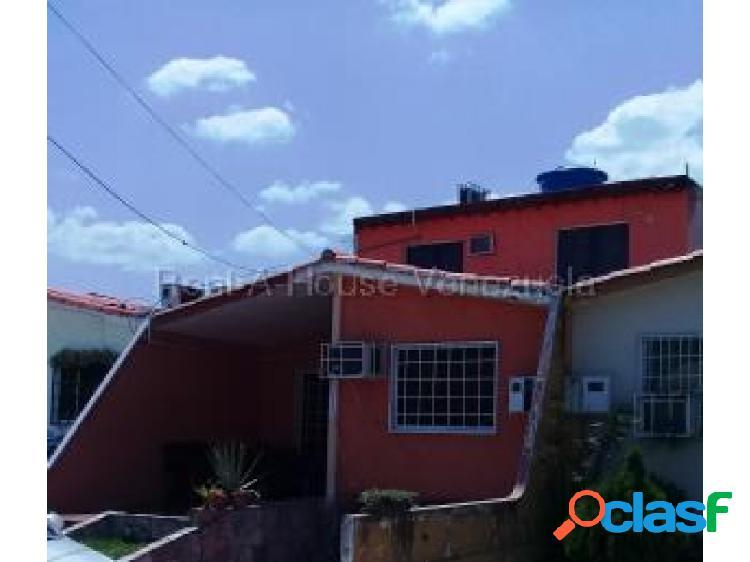 Gehijka Dominguez vende Bella y cómoda casa en excelente