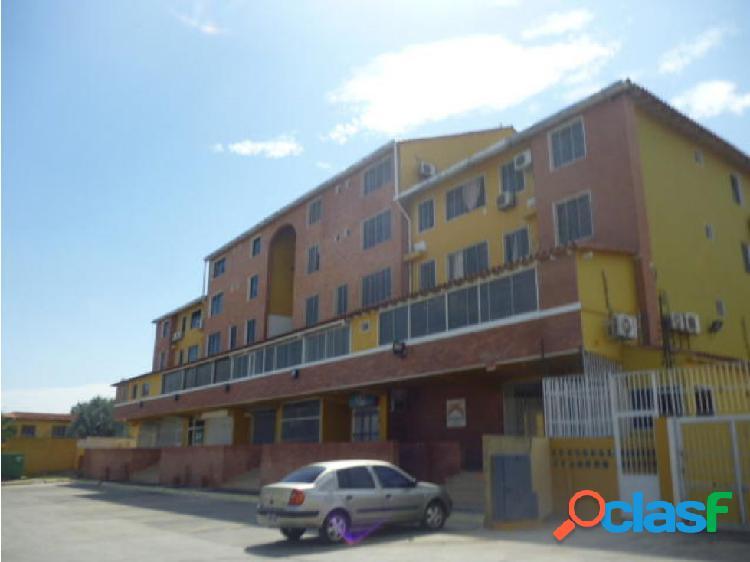 Junior Alvarado Vende Apartamento en Cabudare RAH:20-6202