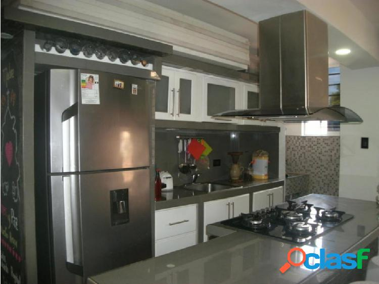 Junior Alvarado Vende Apartamento en Cabudare RAH:20-7441