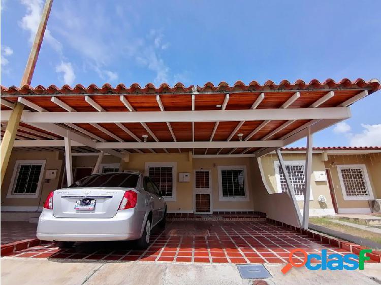 Junior Alvarado Vende Casa en Cabudare RAH:20-20192