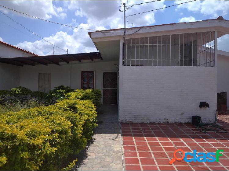 Junior Alvarado Vende Casa en Cabudare RAH:20-20558