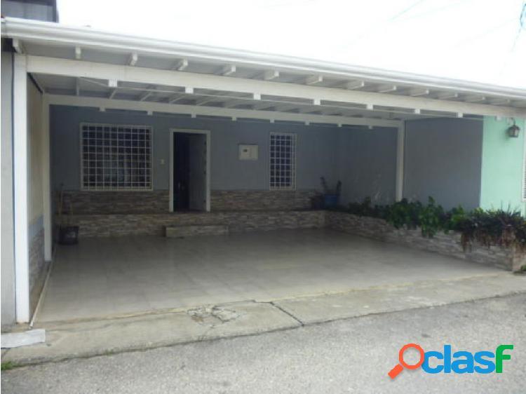 Junior Alvarado Venta Casa en Cabudare RAH:20-18839 ?