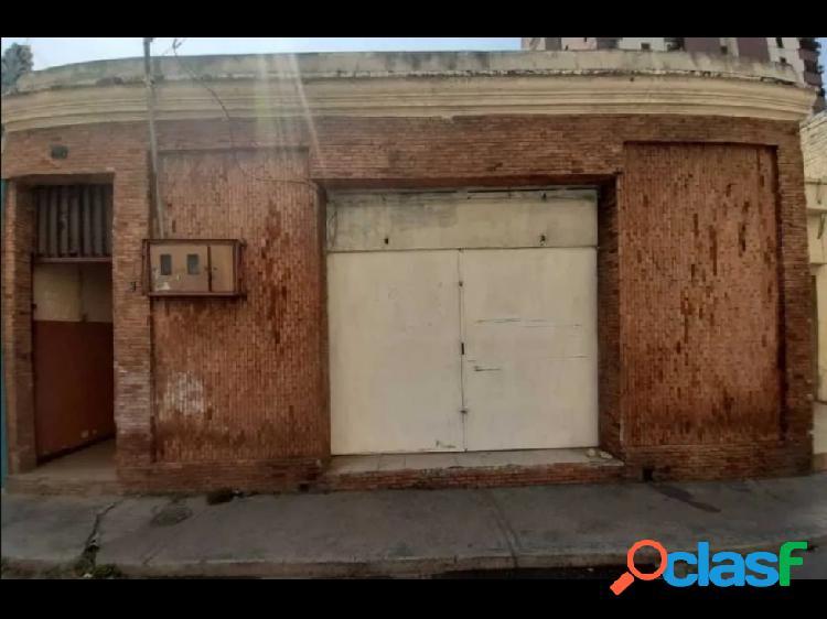 Local Comercial con Casa en el Centro de Maracay C/Negro