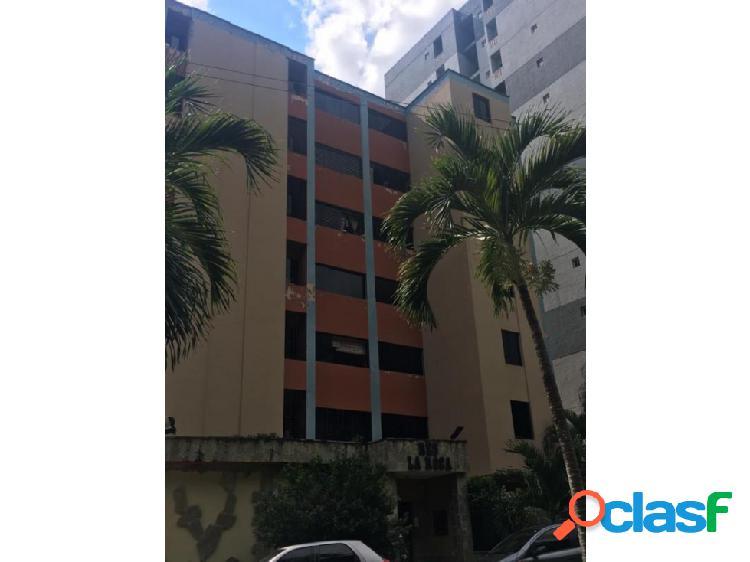 (MAA-1033) Apartamento en Res. La Roca