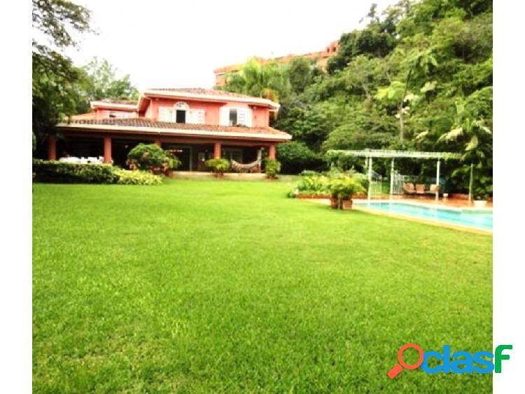 Se vende casa 560m2 5h+3s/8b/10p Valle Arriba