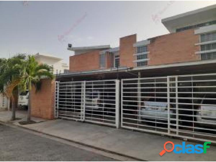 Townhouse en venta en Mañongo cod 20-20298 opm