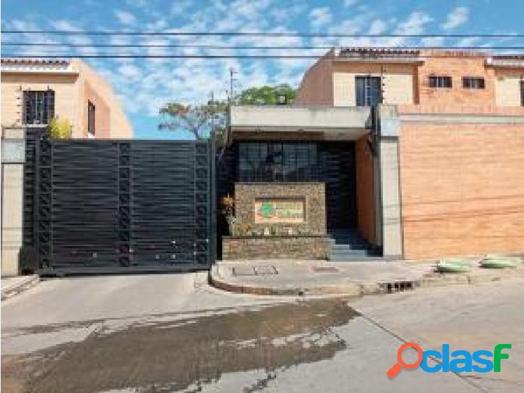 Townhouse en venta en Mañongo cod 20-5084 opm
