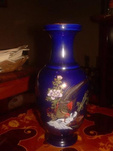 Florero De Porcelana Antiguo Color Azul Con Destaques En Oro