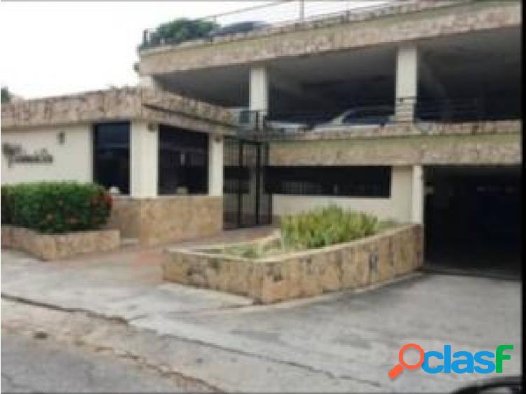 Apartamento en venta en Campo Alegre cod 20-23173 opm