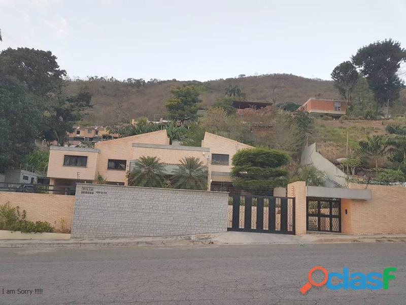 Casa en Lomas del Este de 717 m2 IDLEC514
