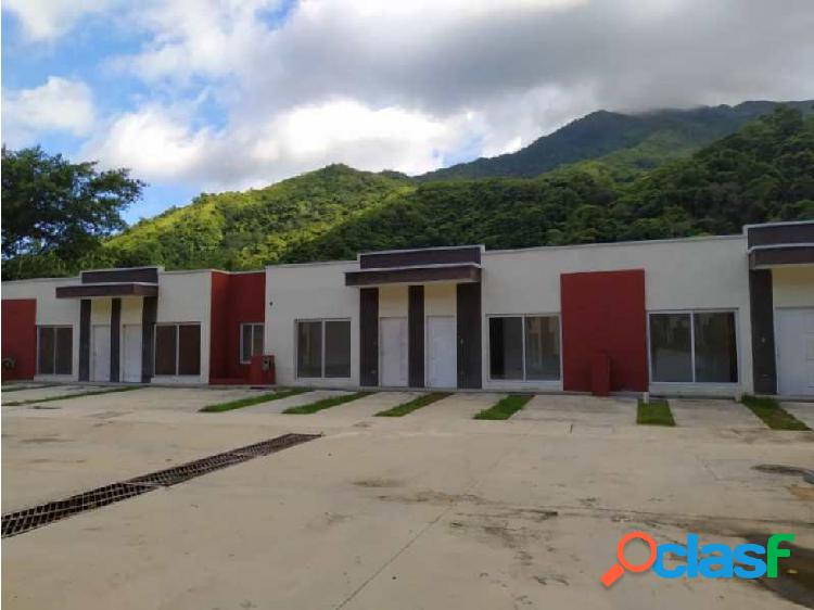 (MAC-638) Casa en Res. Vista Alegre, La Entrada, Naguanagua