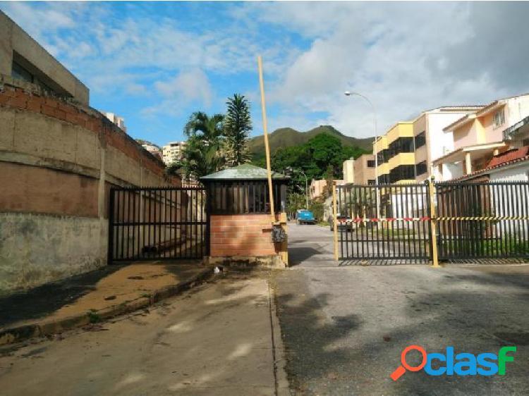 Townhouse en venta en El Parral 20-876 CEA
