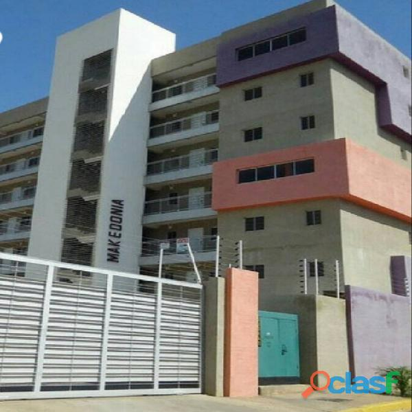 Venta de bello apartamento listo para habitar en maracaibo.
