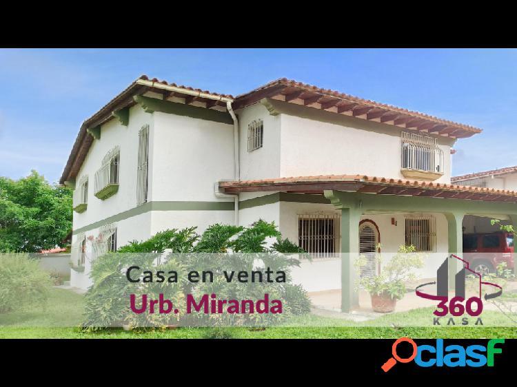 Casa en venta en la Urb. Miranda con vista al Ávila