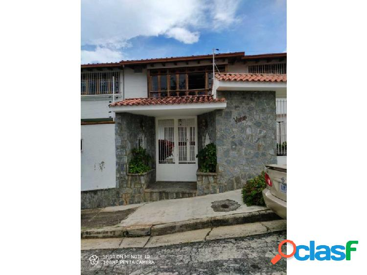 Se vende casa 450m2 4h/5b/4p Los Naranjos