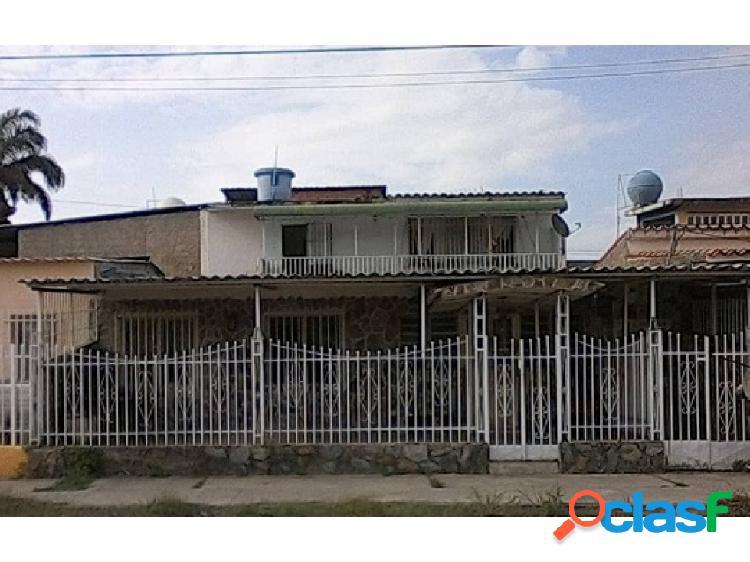 Casa en Caña de Azúcar Sector 8, Maracay