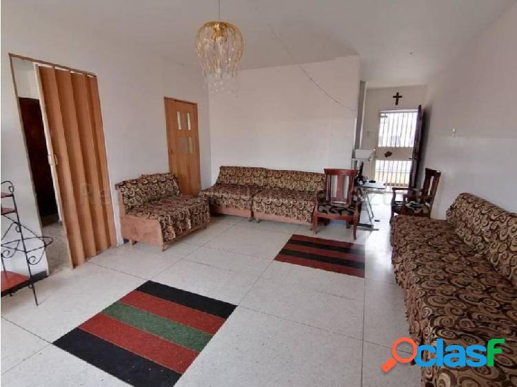 Junior Alvarado Venta Apartamento en BQTO RAH:20-8644