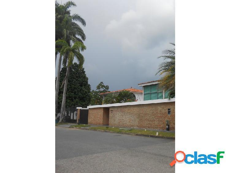 LUJOSA CASA A ESTRENAR UBICADA EN LA URB. GUATAPARO