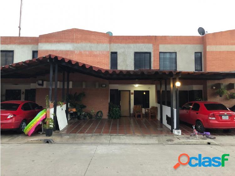 Town House en Conjunto Residencial Manantial Dorado en la