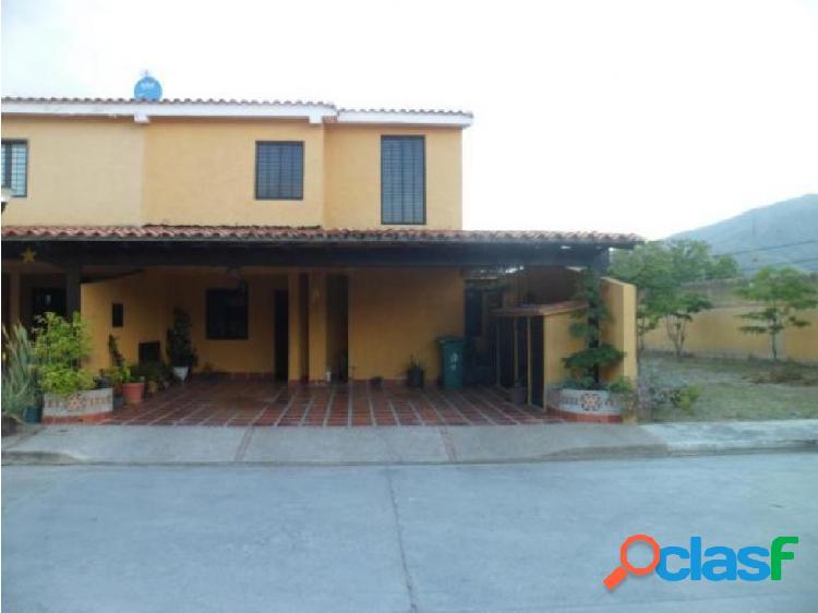 Townhouse en venta en La Cumaca San Diego 20-2420 RAGA