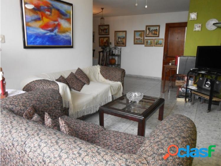 Vende Amplio Apartamento en San José de Tarbes