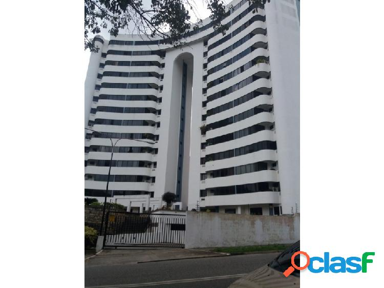 Vende Amplio y bello Apartamento en Los Mangos