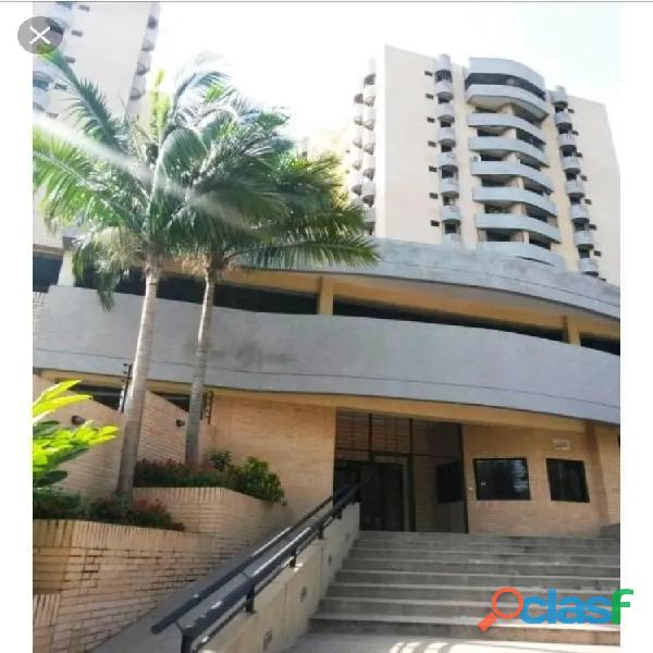 Sky Group vende apartamento en Residencias Mirador Country,