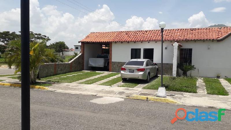 SKY GROUP Vende casa en Villas de Alcala San Diego