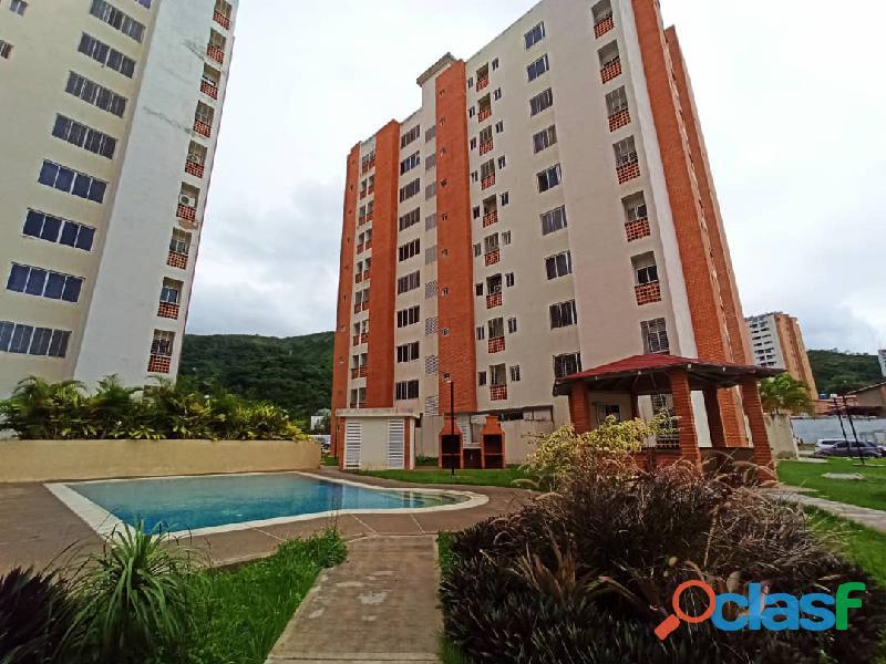 SKY GROUP Vende apartamento en Doral Country Mañongo FOA