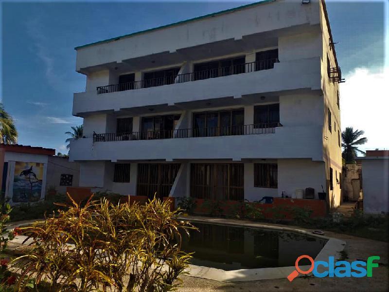 SKY GROUP Vende Apartamento en Playa Norte Chichiriviche 1