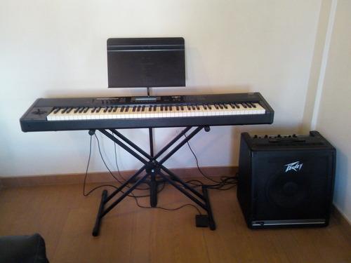Piano Teclado Korg Tr 88. Combo: Paral, Atril, Planta Peavey