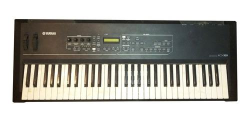 Piano Yamaha Modelo Kx61