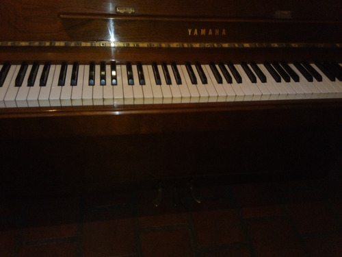 Piano Yamaha U1 Profesional Vertical Fundac Mozarteum v