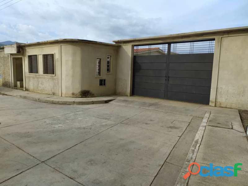 SKY GROUP Vende casa en Villas del Centro FOC 1035