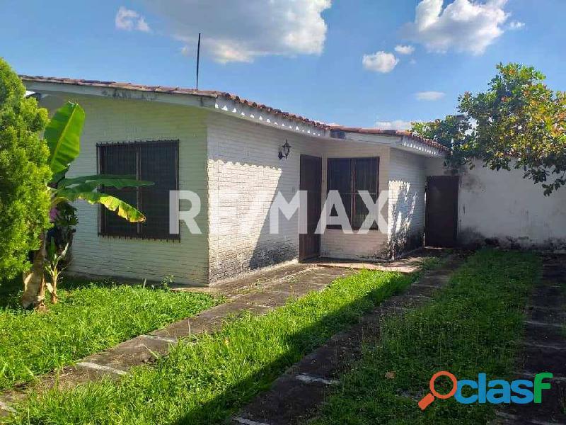 RE/MAX PARTNERS Vende Casa en El Molino