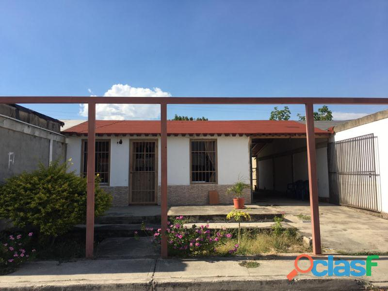 Casa en Urbanizacion Virgen del Carmen, San Joaquín