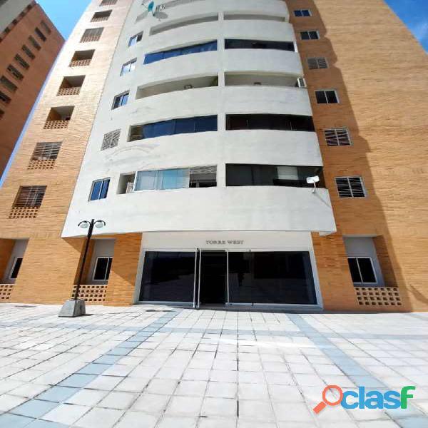 Mariany Longa Vende Pent House en Chelsea Court El Parral